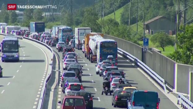 Video «Langer Stau vor dem Gotthard» abspielen
