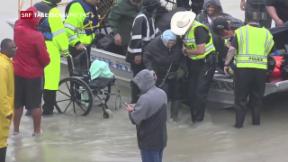 Video «Wirbelsturm Harvey hat Texas fest im Griff» abspielen