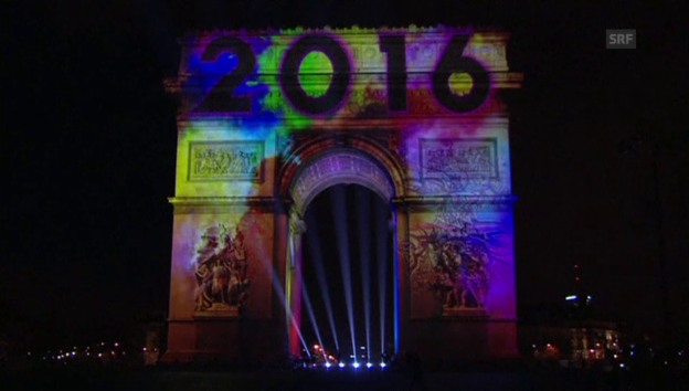 Video «Silvesterfeier in Paris (unkomm.)» abspielen