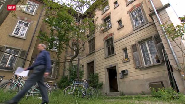 Video «Nagelhaus trotzt Hochhäusern» abspielen