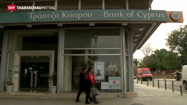 Video «Zyperns Parlament entscheidet über Abgaben» abspielen