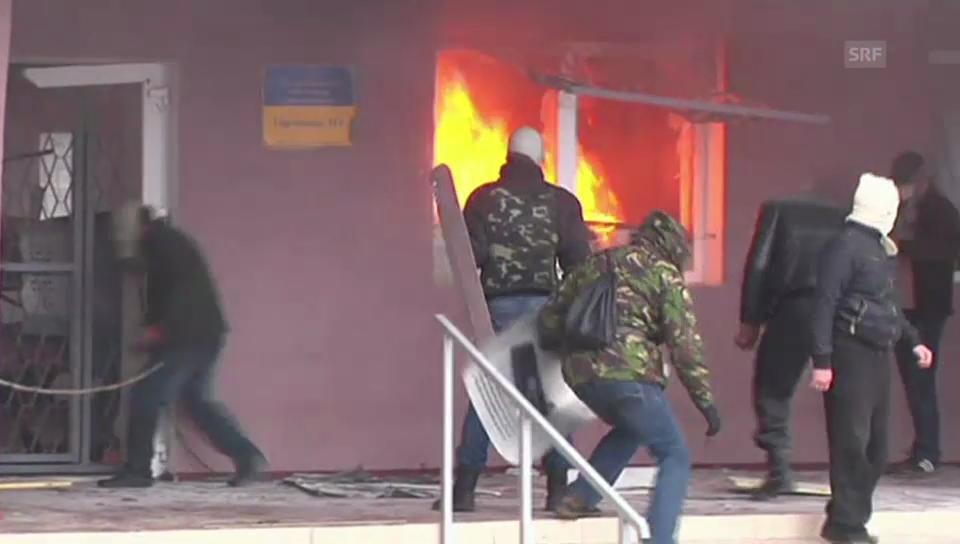 Pro-russische Kräfte stürmen Polizeirevier