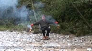 Video «Roman Signer als Rakete» abspielen