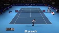 Link öffnet eine Lightbox. Video Federer zermürbt Krajinovic und holt sich das Break abspielen