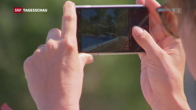 Video «Freibäder lancieren Kampagne gegen Handys» abspielen