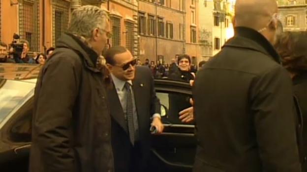 Video «Kein herzlicher Empfang für Silvio Berlusconi in Rom» abspielen