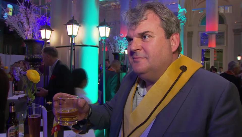 «Tag des Schweizer Biers»: Mike Müller erhält Orden