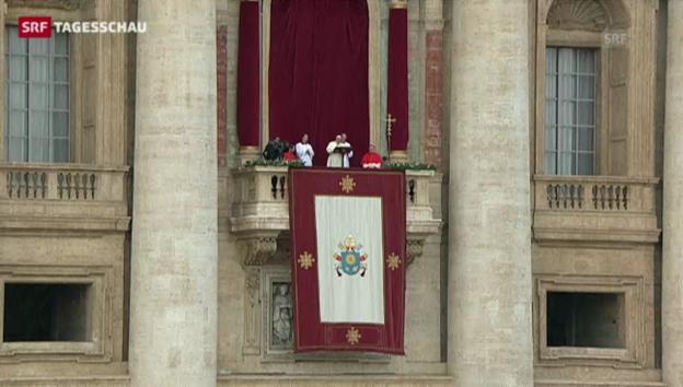 Video «Papst spendet traditionellen Segen» abspielen