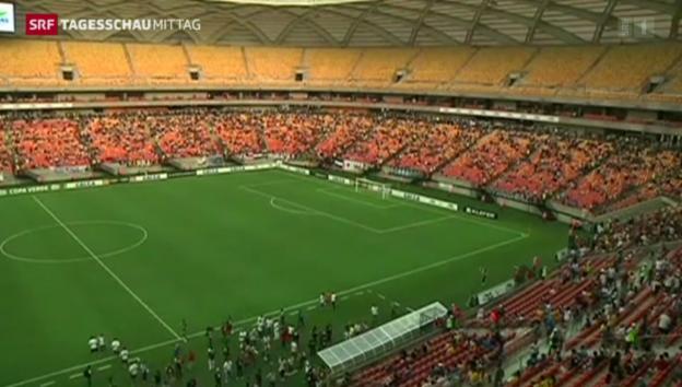 Video «Stadion in Manaus eröffnet» abspielen