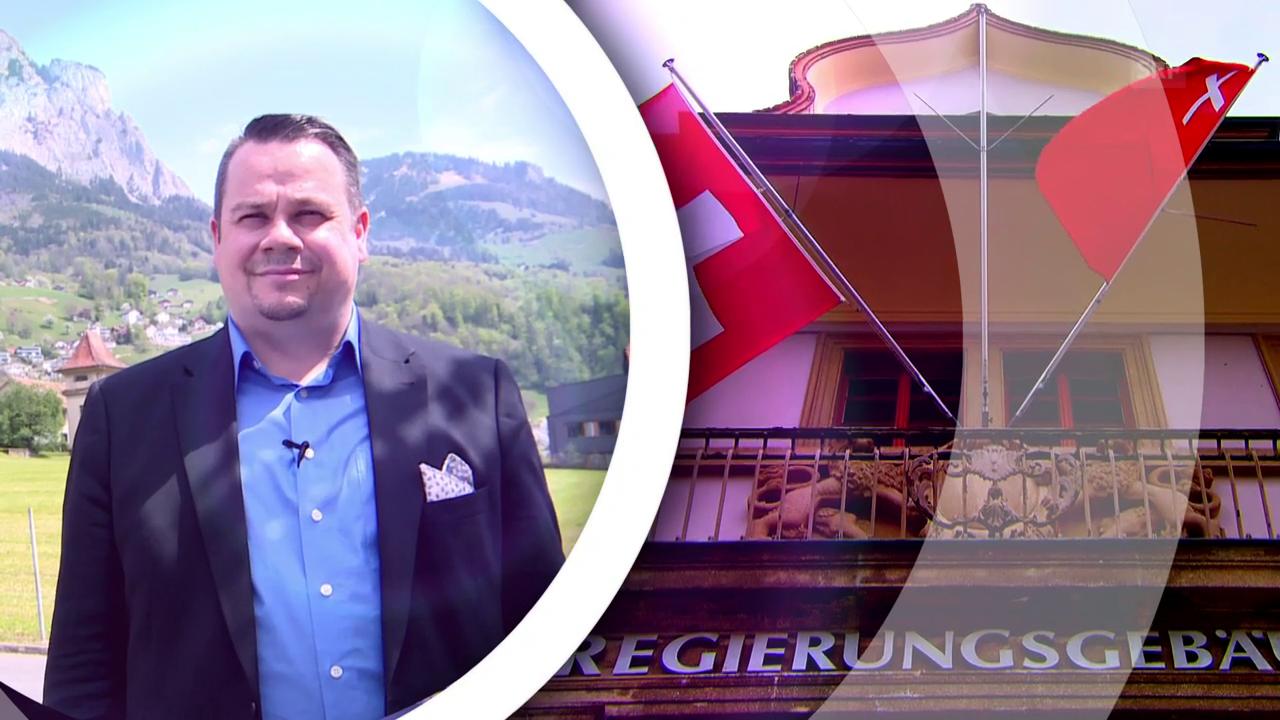 Gemeindepräsident Xaver Schuler zeigt sein Schwyz