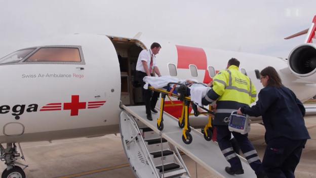 Video «Verunfallt im Ausland - Heimreise per Abulanz-Jet» abspielen