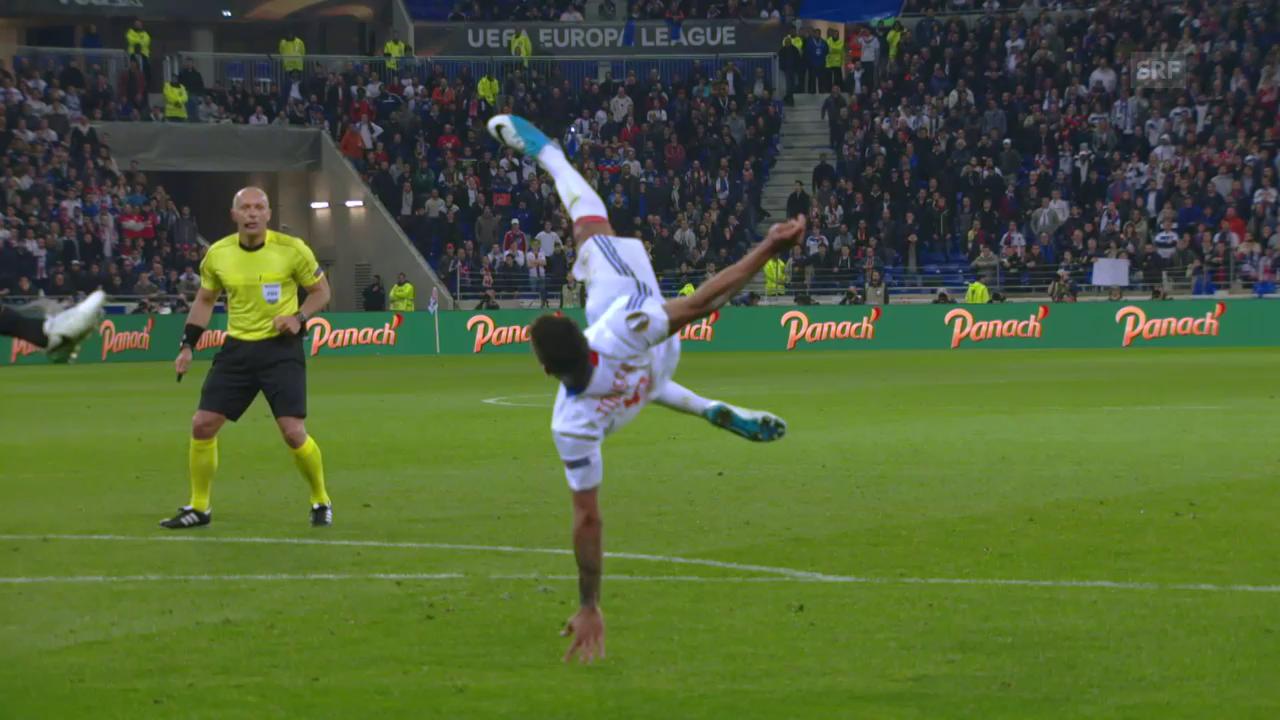 Ajax mit viel Dusel gegen Lyon