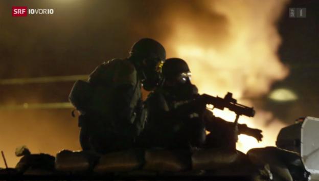 Video «Ferguson: Polizei und Bürger rüsten auf» abspielen