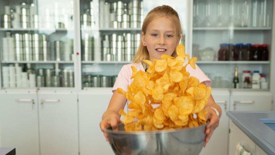 Ladina im Chips-Schlaraffenland