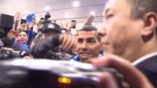 Link öffnet eine Lightbox. Video In Schanghai ist der Tevez-Wahnsinn ausgebrochen (SNTV) abspielen