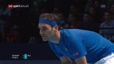 Link öffnet eine Lightbox. Video Federer schlägt Thiem deutlich abspielen
