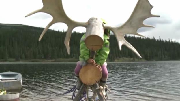Video «Rückkehr nach Black Lake» abspielen