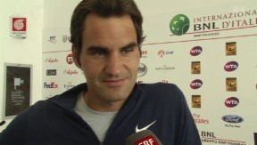 Video «Papa und Tennisspieler: Federer spricht über seine Zwillinge» abspielen