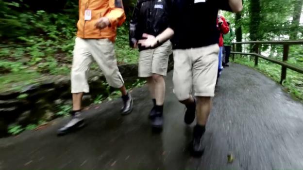 Video «Bergabwandern – Tortur mit verstecktem Nutzen» abspielen