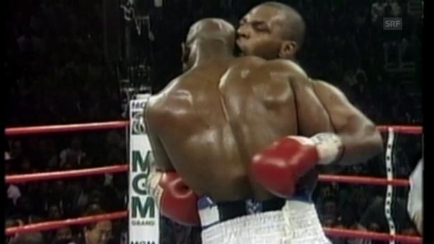Video «Legendär: Tyson beisst Holyfield ins Ohr» abspielen
