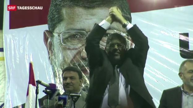 Video «Mohammed Mursi muss vor Gericht» abspielen