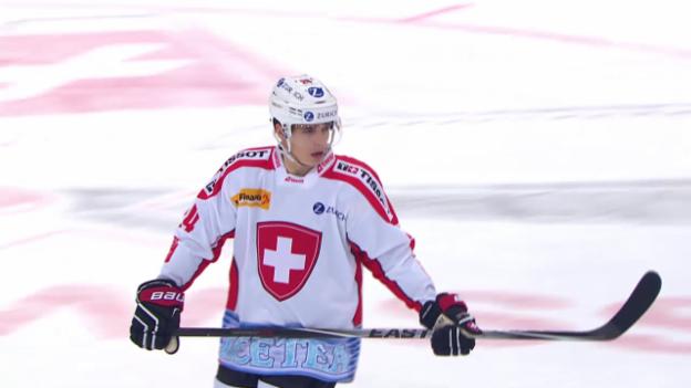 Video «Eishockey: Arosa Challenge, Schweiz - Slowakei, das Penaltyschiessen» abspielen
