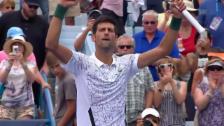 Link öffnet eine Lightbox. Video Djokovic dreht Partie gegen Mannarino abspielen