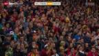 Video «Eishockey: Schlusslicht Langnau bodigt den Meister» abspielen