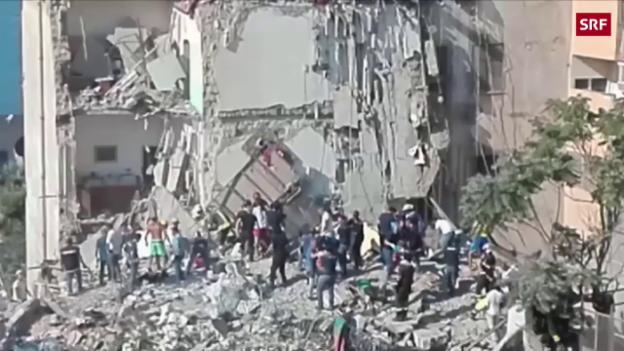 Video «Hier suchen Helfer nach den vermissten Familien» abspielen