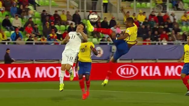 Video «Fussball: Copa America, Highlights Ecuador - Bolivien» abspielen