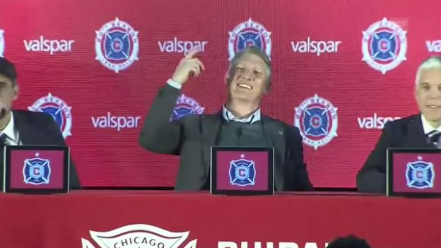 Video «PK in Chicago: skurrile Frage an Schweinsteiger» abspielen