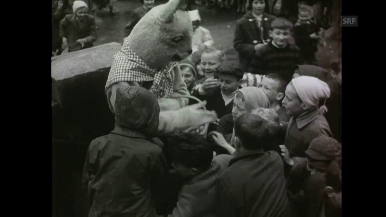 Osterhasen von Unterseen (Schweizer Filmwochenschau, 20.4.1962)