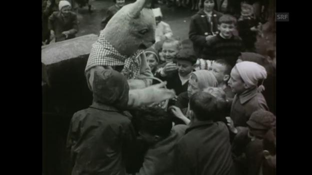 Video «Osterhasen von Unterseen (Schweizer Filmwochenschau, 20.4.1962)» abspielen