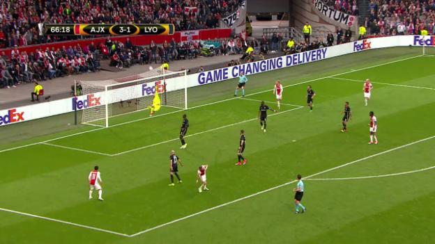 Video «6 Gross-Chancen in der 2. Halbzeit: Ajax zu wenig effizient» abspielen