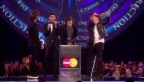 Video «Klo statt Bühne: «One Direction» bei den Brit Awards» abspielen
