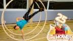 Video «Flurina turnt kopfüber in einem Riesenrad» abspielen