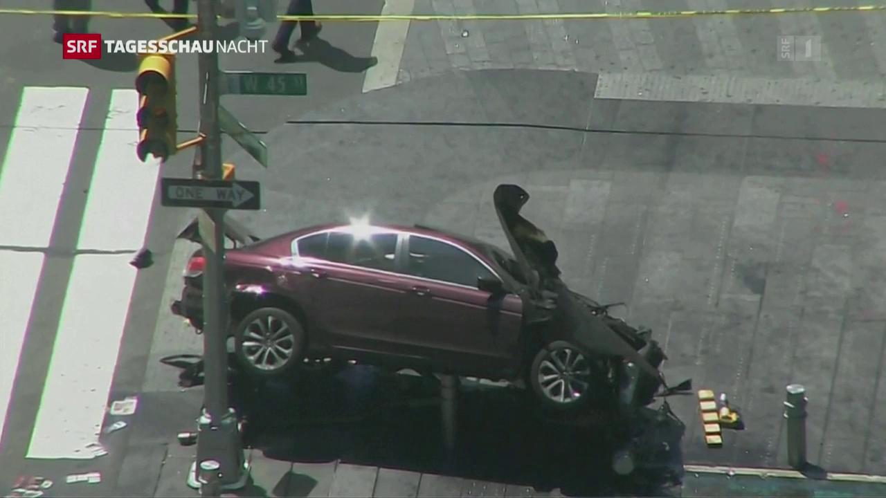 Bilder vom Unfallort am Times Square