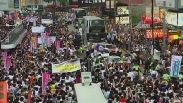 Video «Protestmarsch in Hongkong» abspielen