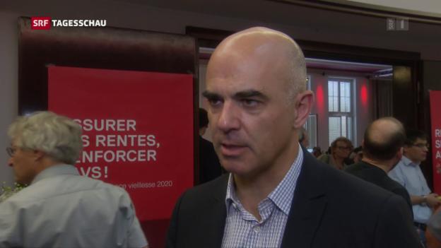 Video «SP will Volksinitiative für Prämien-Begrenzung» abspielen