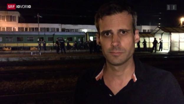Video «SRF-Sonderkorrespondent Marcel Anderwert aus Bicske» abspielen