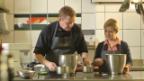 Video «Markus und Myriam bereiten den Zopf zu» abspielen