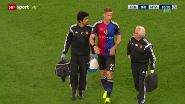 Video «Fussball: Champions League 2015/16, Basel - Tel Aviv, Janko verletzt sich» abspielen
