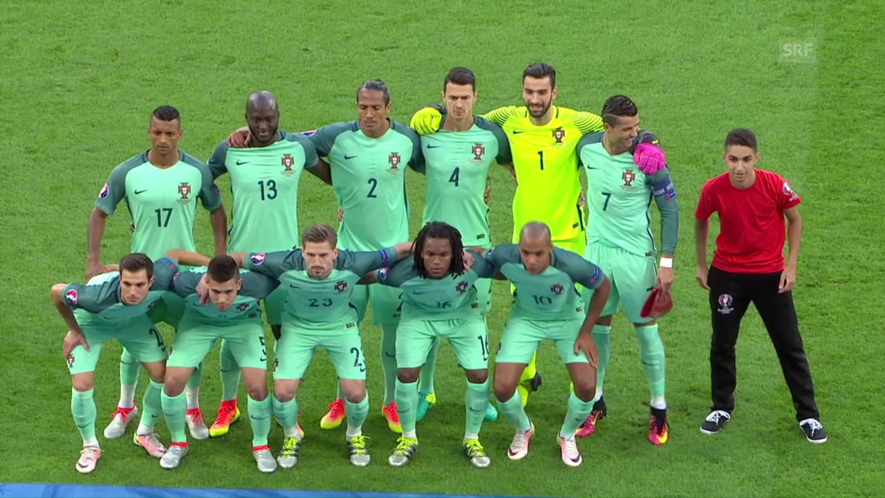 Finde den Fehler auf Portugals Mannschaftsfoto