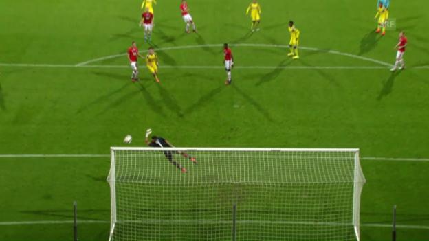 Video «Alkmaar-Maccabi: Golasas Schuss ins Lattenkreuz» abspielen