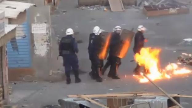 Video «Krawalle in Sanabis, westlich der Hauptstadt Manama (unkommentiert)» abspielen