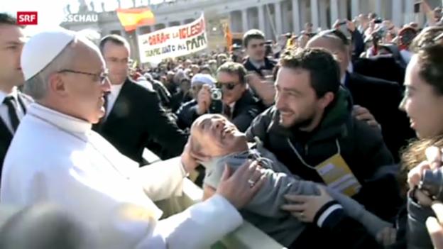 Video «Papst Franziskus offiziell im Amt» abspielen