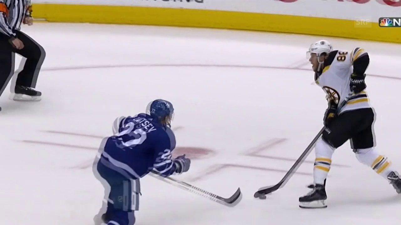 No-Look-Pass von Pastrnak