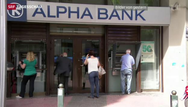 Video «Griechen ziehen ihr Geld ab» abspielen