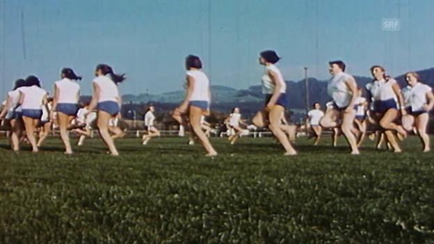 Video «Impressionen aus vier Jahrzehnten Bewegung» abspielen