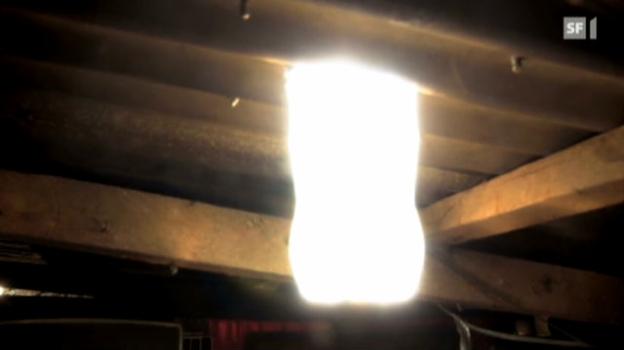 Video «Eine Sonnenlampe aus der PET-Flasche» abspielen